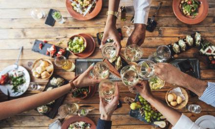 5 Ways to Save Money at Restaurants