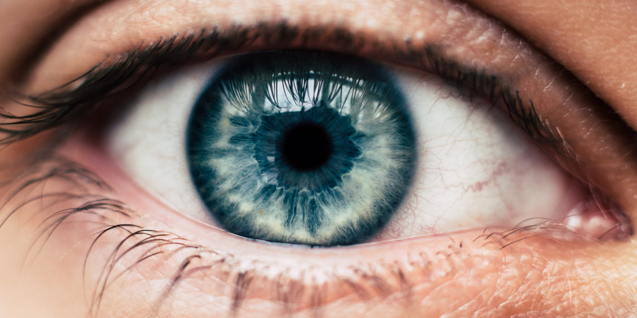 4 Signs Your Eyes Are Getting Older
