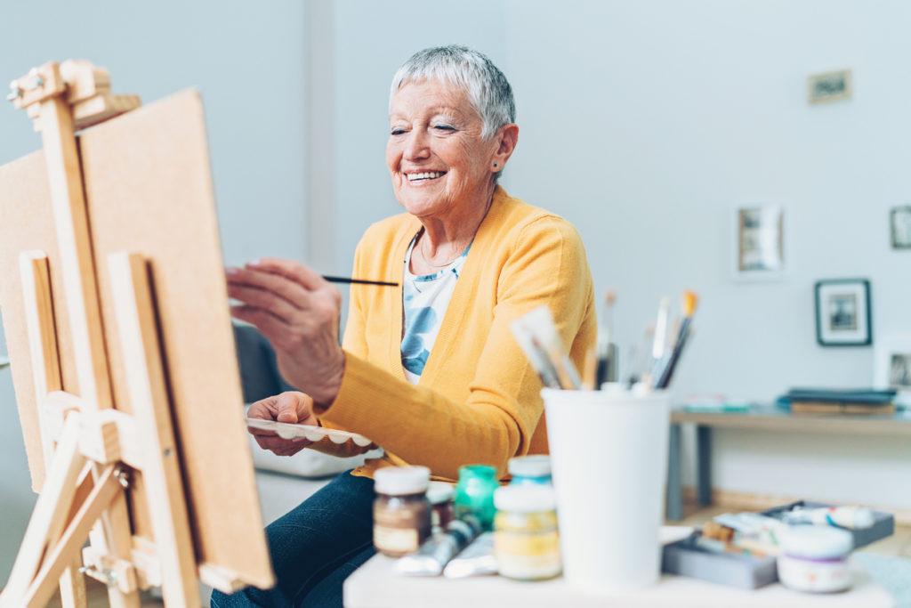 Senior Hobby, Photo Credit: pixelfit (iStock).